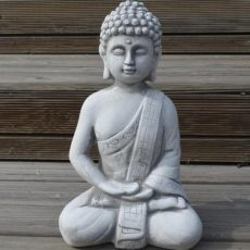 Meditoiva Amitabha Buddhapatsas, betonipatsas, puutarhaan