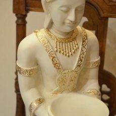 Buddhapatsas, väri luonnonvalkoinen/kulta