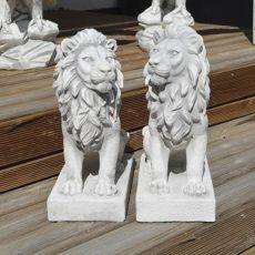 Leijonapatsaat, Betonipatsaat, sisustukseen, kuvattu edestä