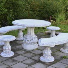 Betonipöytä ja betonituolit ryhmä