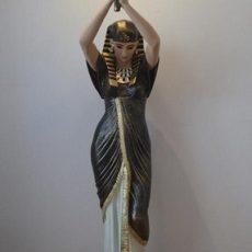 Kleopatravalaisin, sisustukseen